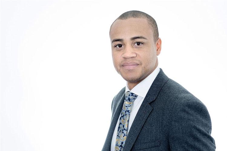 Headshot Photographer - Photography Agency UNP for business headshots